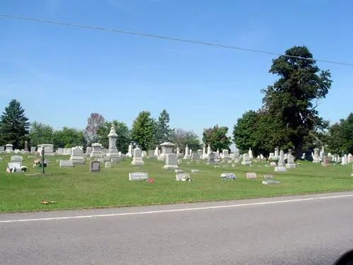 macedoncentercemetery 1